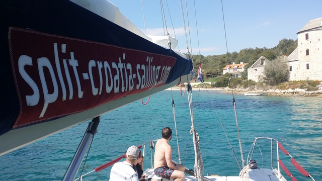 SPLIT-CROATIA-SAILING ON ISLAND BRAC